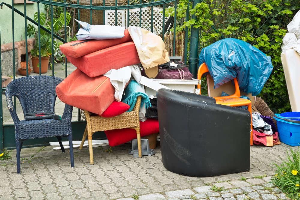 Entsorgung Beim Umzug Wohin Mit Möbeln Kleidung Und Co